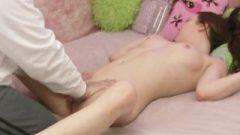 Megan Loxx Gets An OIly Massage